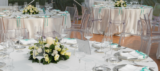 When planning the seating at a wedding, should you put friends together or seat them with new people?