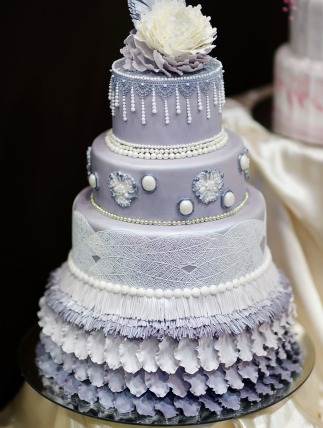 A beautiful cake adds a lot to a wedding... but some just go a little overboard!