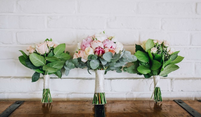 new-wedding-planner-dont-bouquet