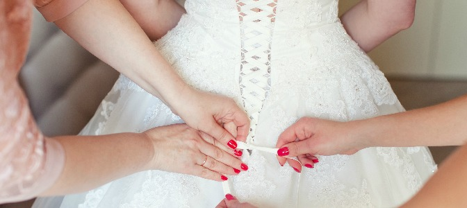 When did a white wedding dress become tradition?
