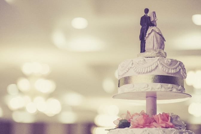 Dealing with an overbearing couple—cake topper
