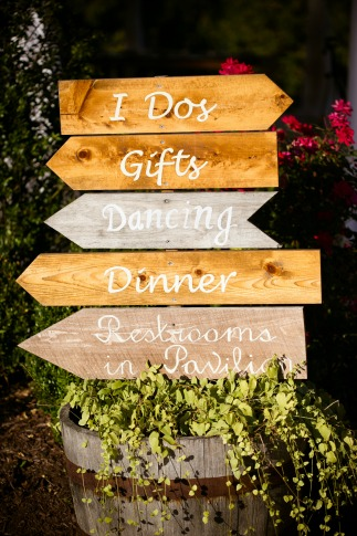 Wood signs DIY fall wedding decor