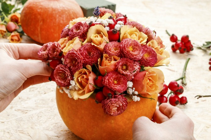 Pumpkin flowers DIY fall wedding decor