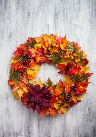 Leaf wreath DIY fall wedding decor