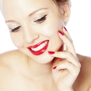 Glamorous red lip and winged liner