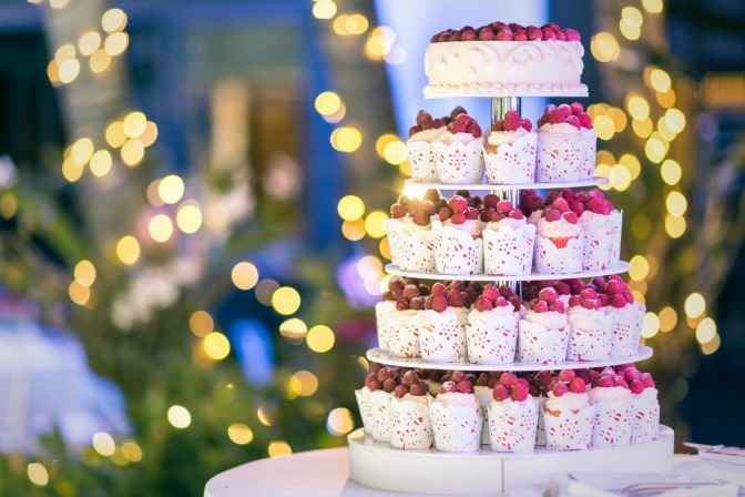 Christmas wedding planning with wedding cupcake tiers