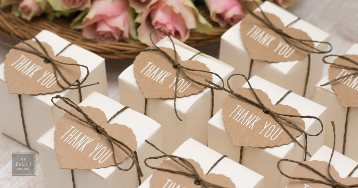 7 Wedding Favors Guests Will Actually Use | Pointers For Planners
