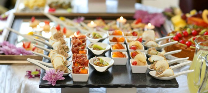 What is the best food selection for a winter wedding?