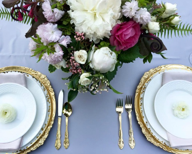 How to create professional wedding centerpiece designs