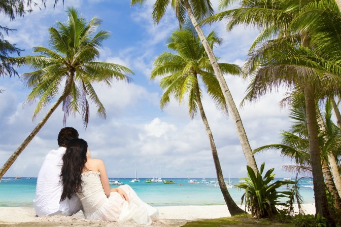 Planning a destination wedding on a beach