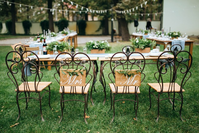 Budget wedding tips for planners