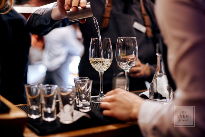 private event with open bar - event planning course teaches you to work with catering