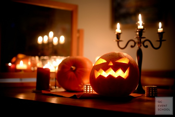 Dramatic halloween lantern lights