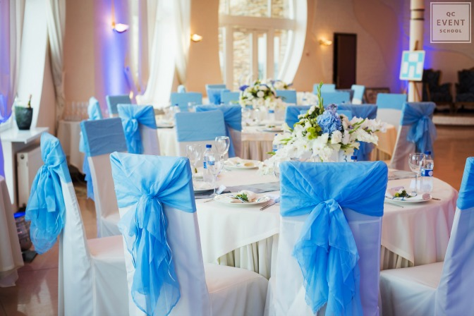 electric blue pop of color event decor