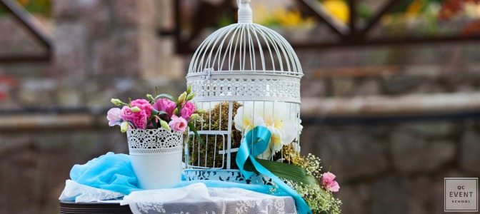 event decor trends with a electric blue ribbon, lace doily flower pot