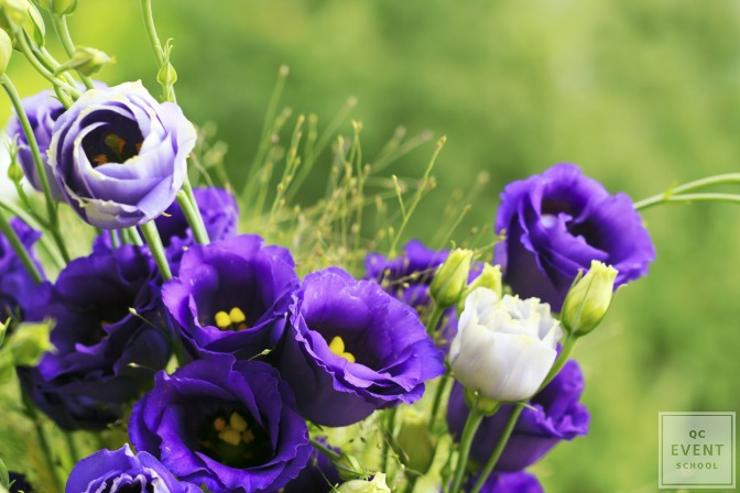 ultra violet flower colors for wedding decor