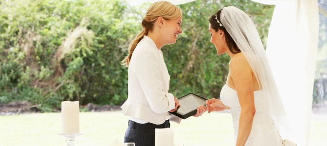 event planner career woman with bride