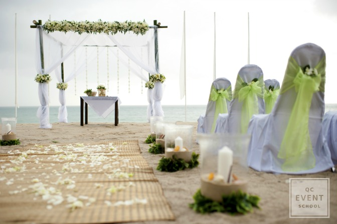 event planner beach wedding