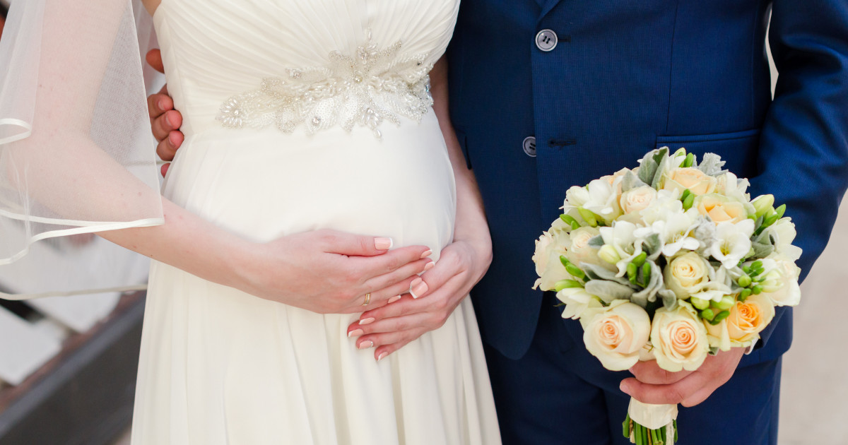 pregnant bride for wedding day