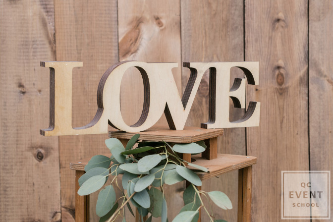 love sign for wedding decor
