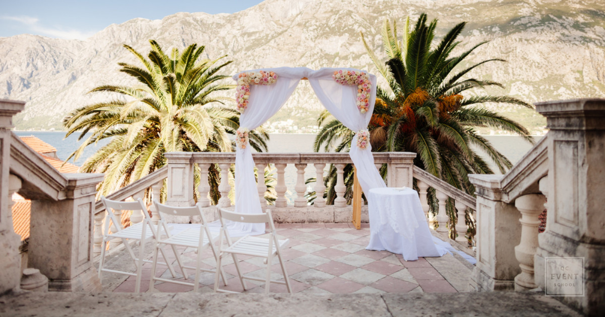 destination wedding planning simple decor