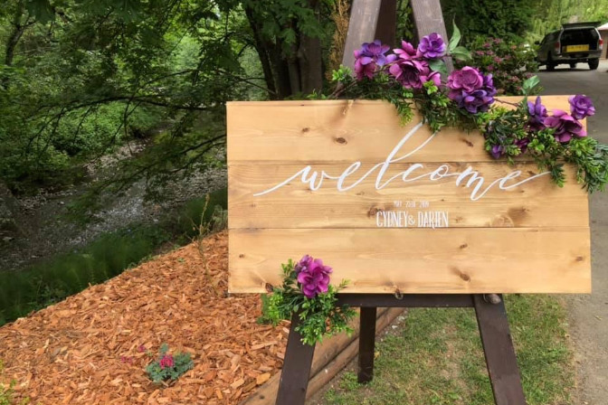 welcome sign for wedding evnet - Scarlett Sage Events