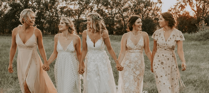mady bell photo of her and bridesmaids on wedding day
