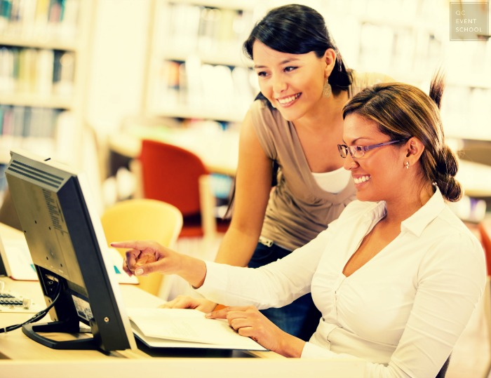 Professionals Learning Online About Business Industry