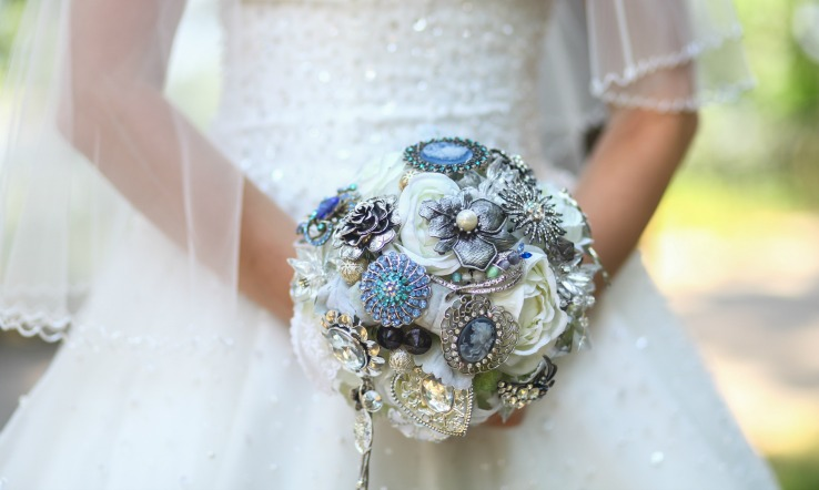 Brooch bouquet DIY wedding ideas