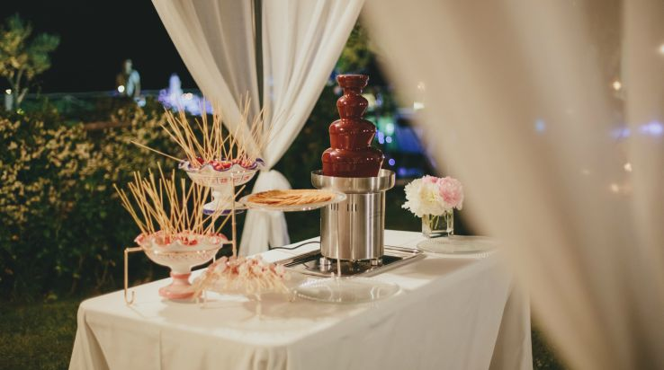 Fondue for wedding food ideas