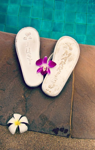 Wedding flip flops for unusual event vendors