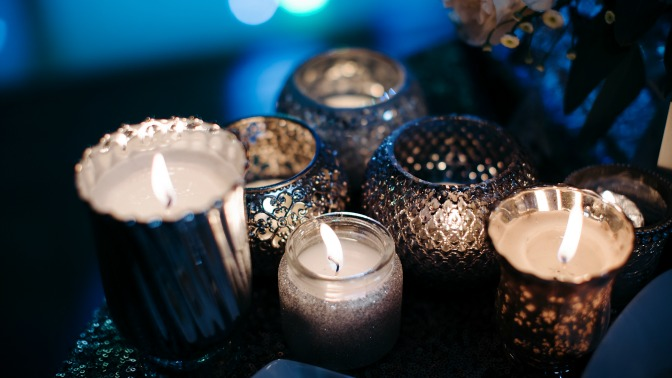 Rustic candles for winter centerpieces