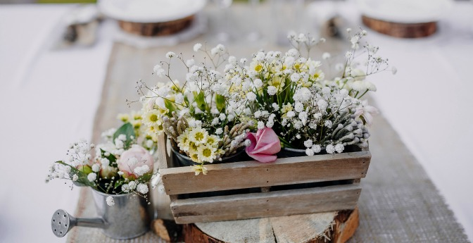 Wildflower arrangement on a wedding table